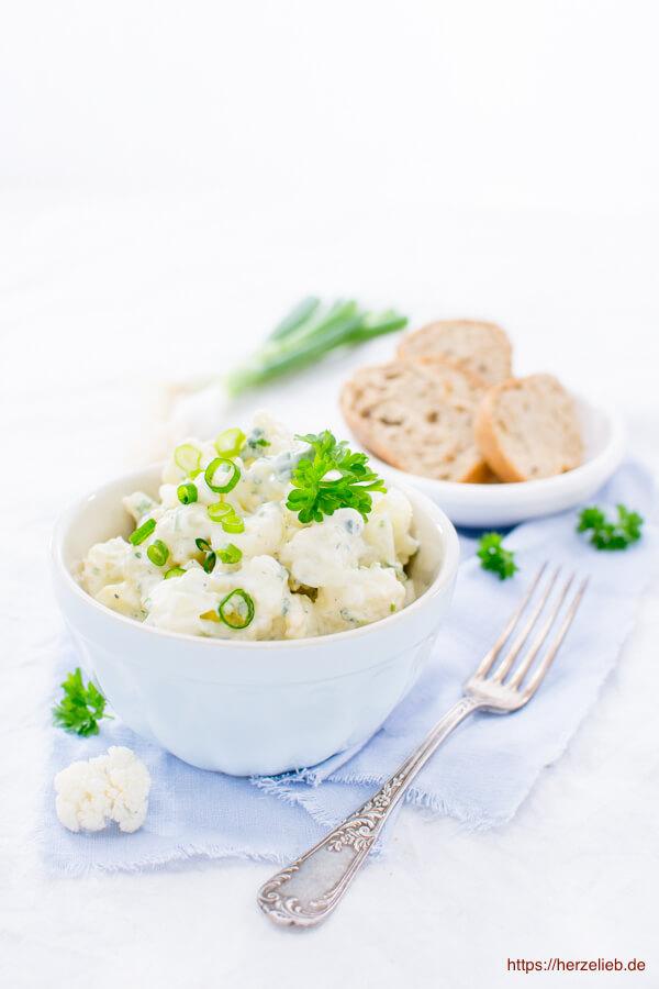 Blumenkohl-Salat mit Brot - Rezept von herzelieb