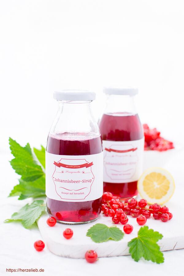 Rezept für roten Johannisbeer-Sirup -  bitte die Früchte nicht auspressen!