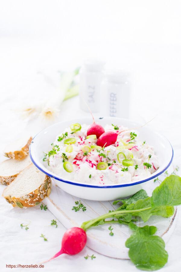 Radieschen-Dip mit Frühlingszwiebeln - Rezept
