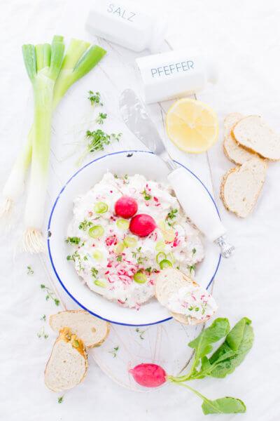 Radieschen-Dip Rezept von herzelieb mit Radieschen und Frühlingszwiebeln
