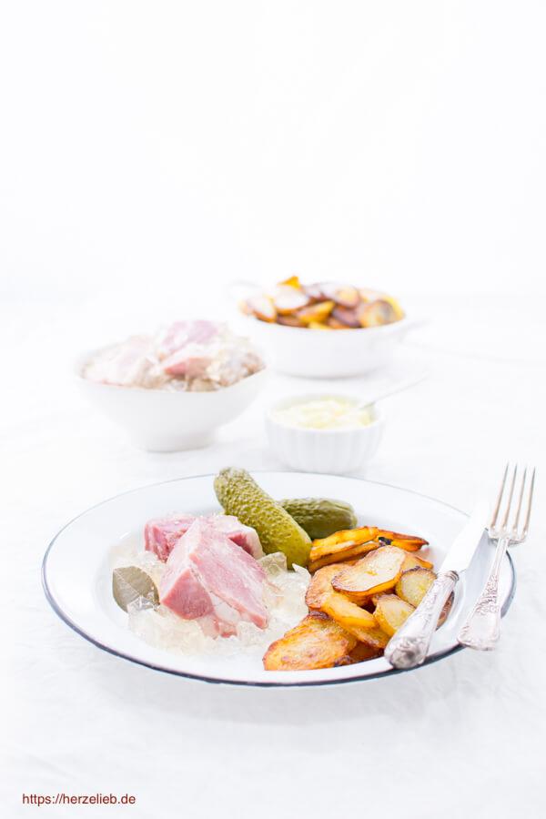Sauerfleisch – Das ideale Sommer-Gericht aus dem Norden! (Hausmannskost)