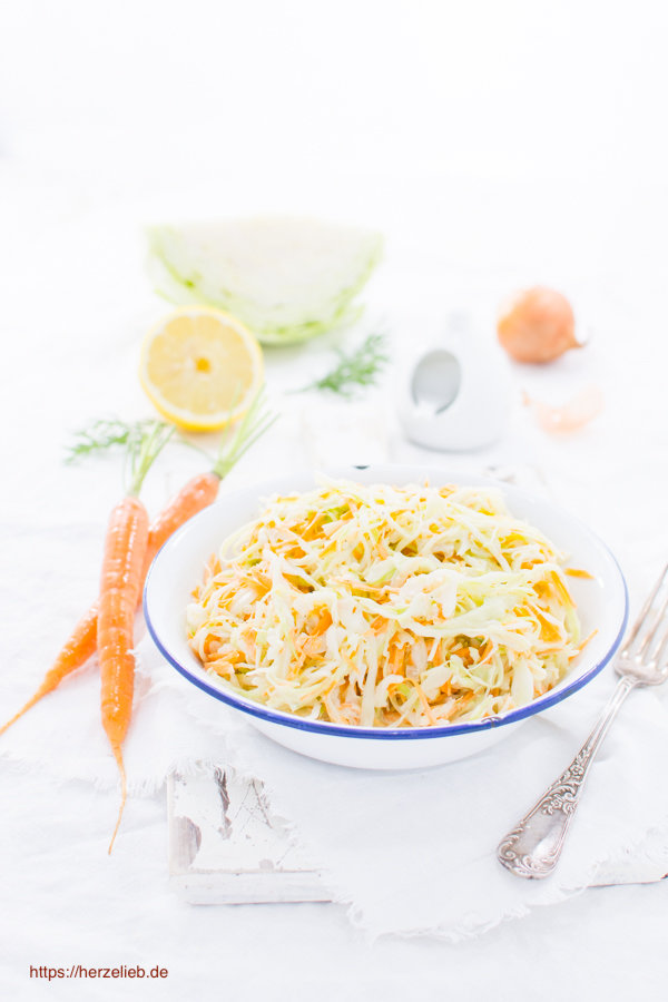 Krautsalat oder Coleslaw - Rezept von herzelieb