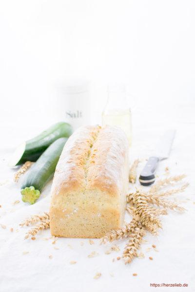 Zucchini Brot - so soft, so fluffig