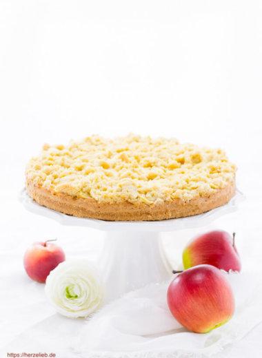 Rezept für einen Apfel-Käsekuchen von herzelieb. Apfelkuchen und Käsekuchen in einem!