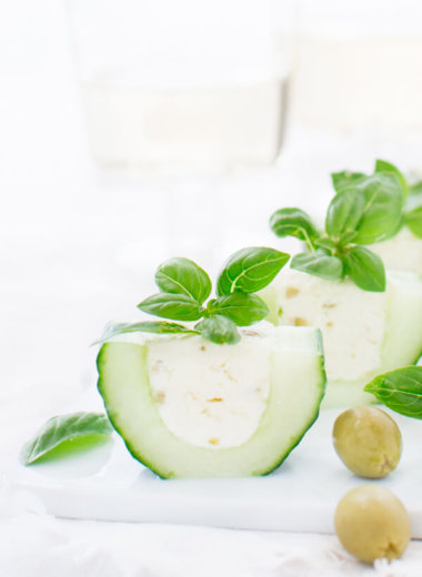 Toll an heißen Sommer Tagen - Gurken Fingefood, gefüllt mit Fetacreme und Oliven