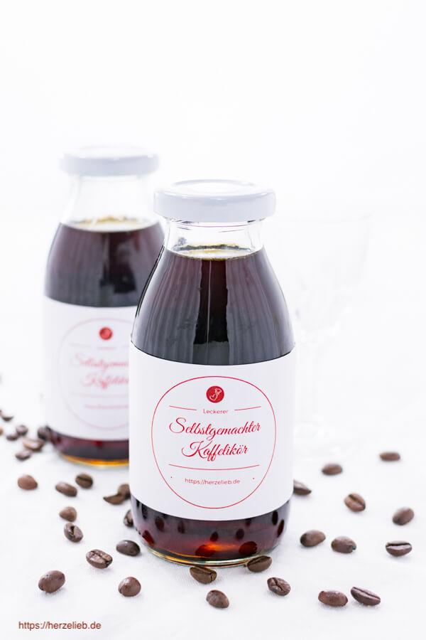 Kaffeelikör Rezept - ein tolles Geschenk aus der Küche!