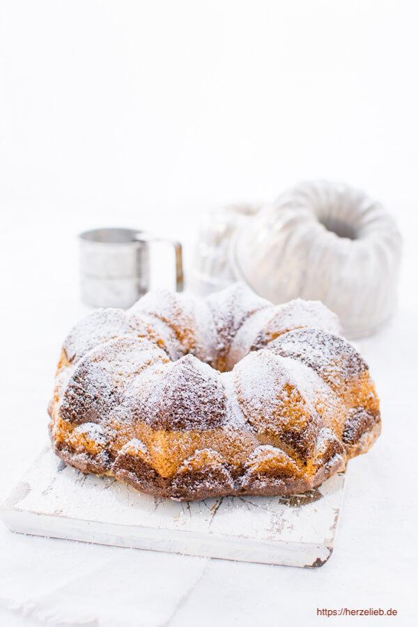 Marmorkuchen Gugelhupf - ein Klassiker Rezept von herzelieb