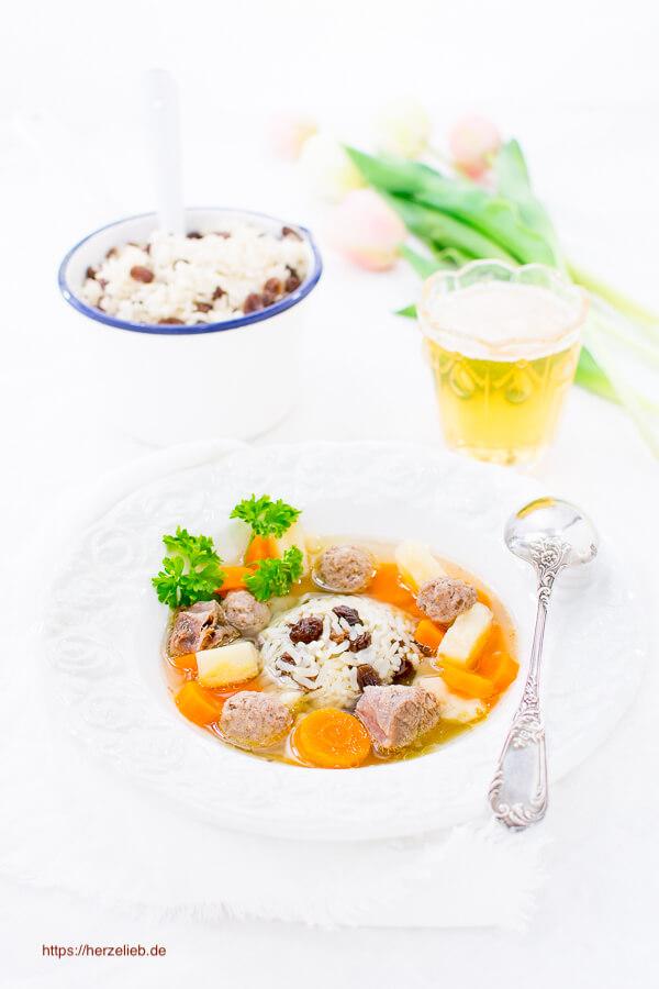 Frische Suppe Rezept aus Nordfriesland mit Rosinenreis