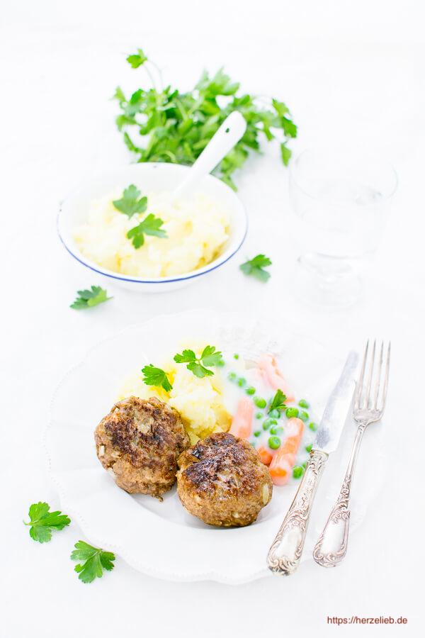 Rezept für Frikadellen, Buletten oder Fleischpflanzerln