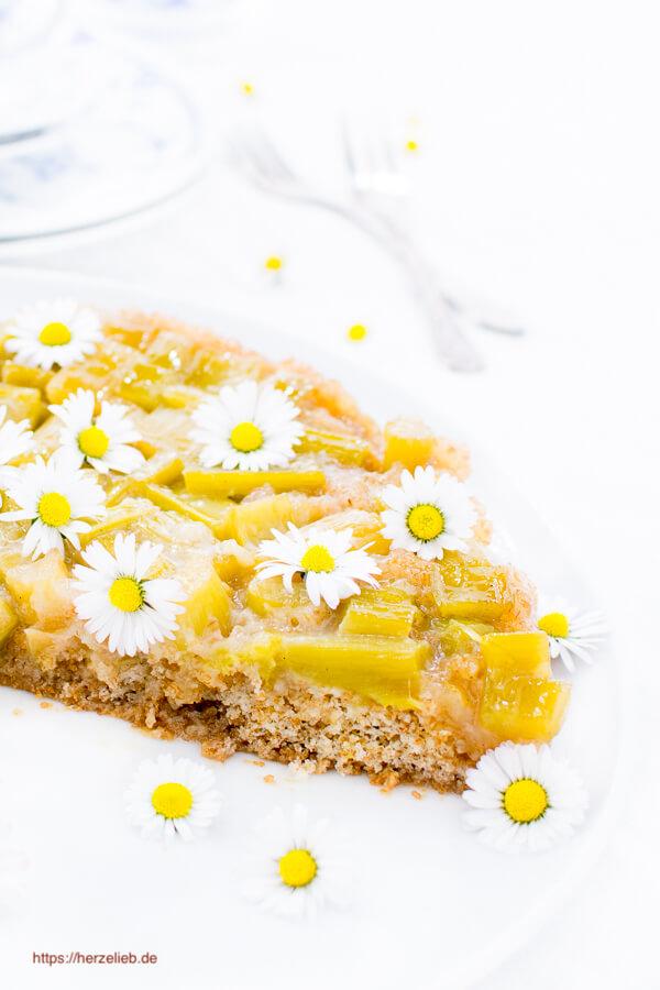 Umgedrehter Rhabarberkuchen – Rezept fürs Frühjahrsglück