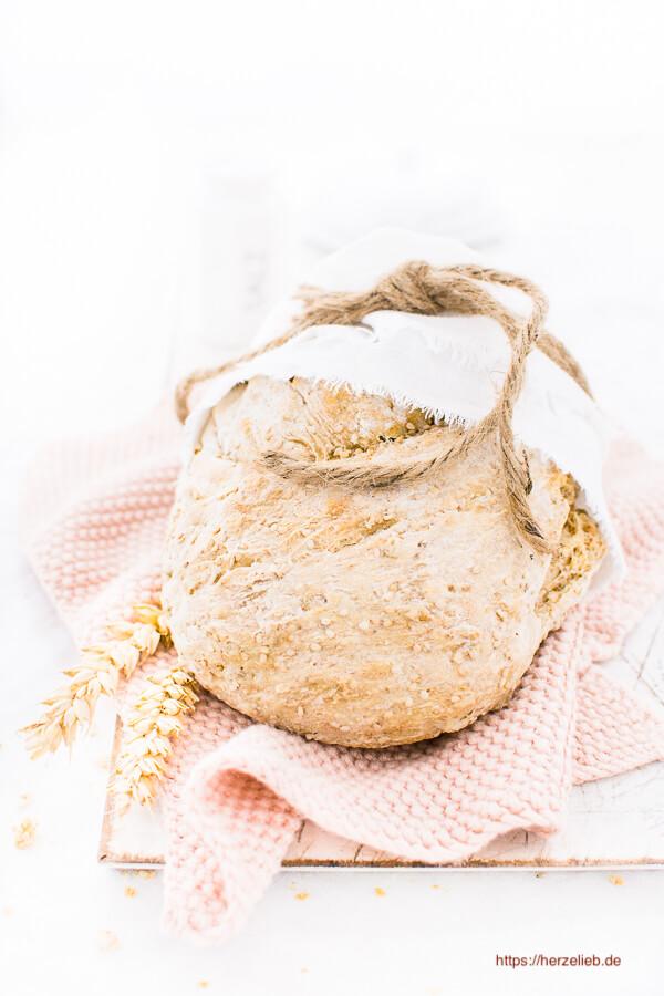 Weizenbrot mit Sonnenblumenkernen und Weizenkeimen Rezept