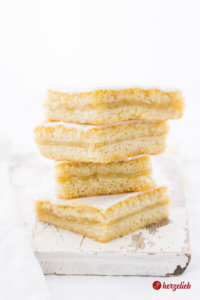 Rezept für einen Apfelmuskuchen wie vom Bäcker
