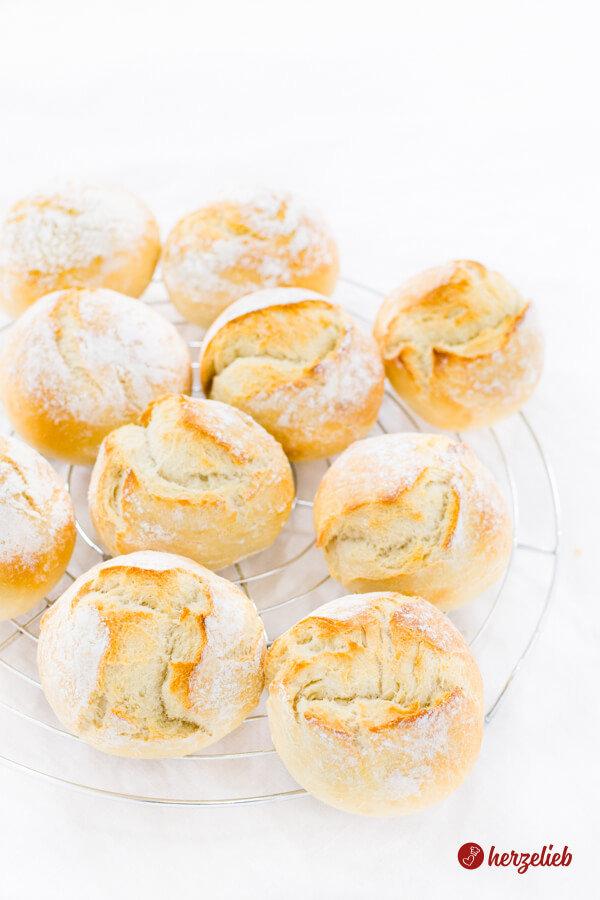 Dinkel-Kartoffelbrötchen Auskühlen