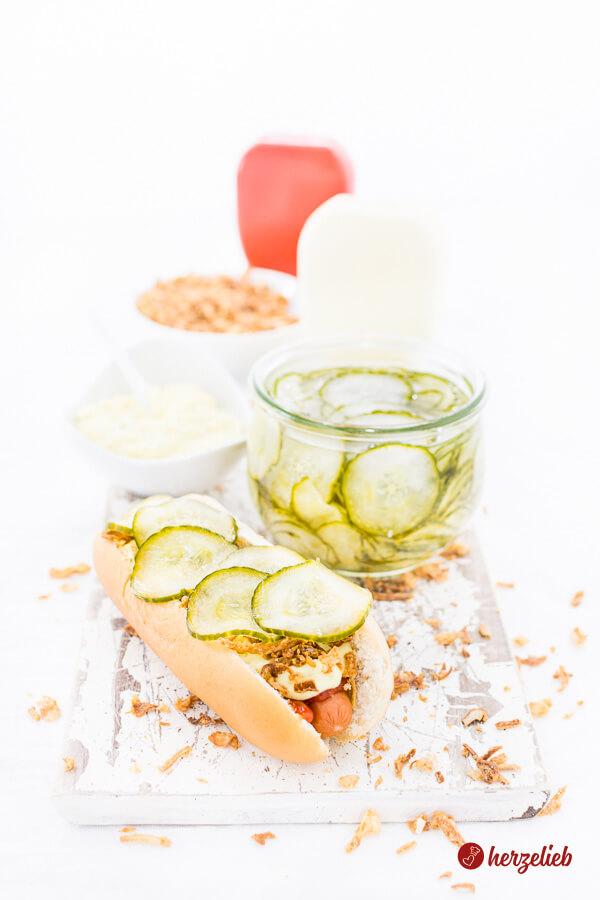Agurker Salat, der Gurkensalat für Hot Dogs - Rezept