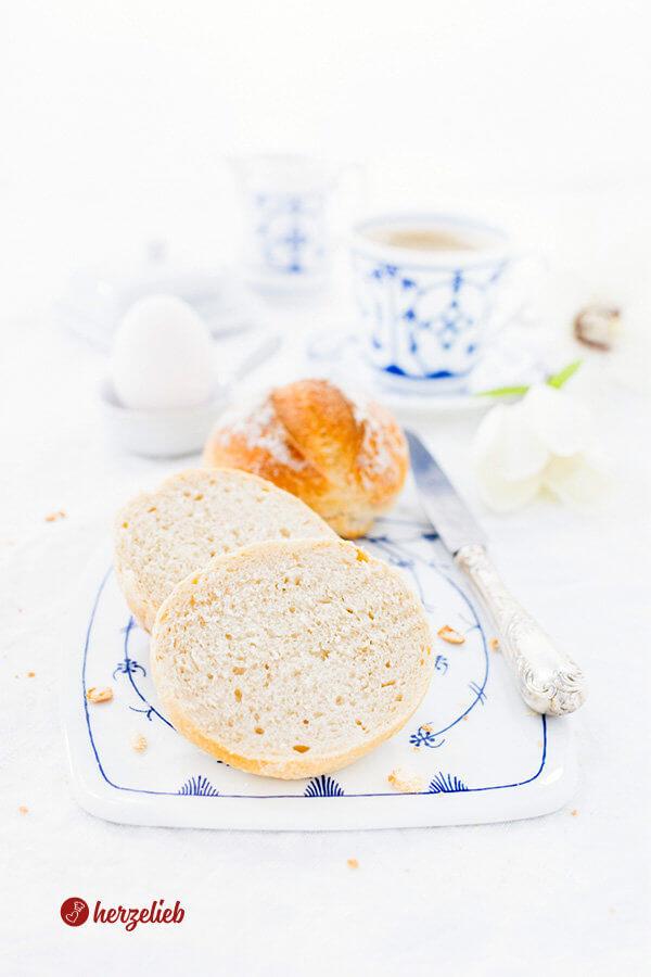 Buttermilchbrötchen zum Frühstück selber backen