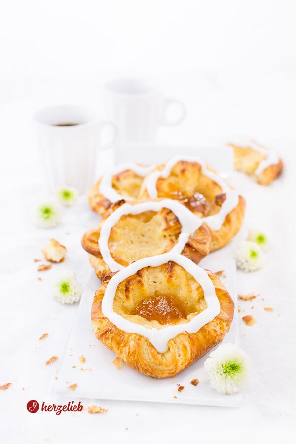 Spandauer aus Dänemark, gefüllt mit Marzipan, Creme und Marmelade