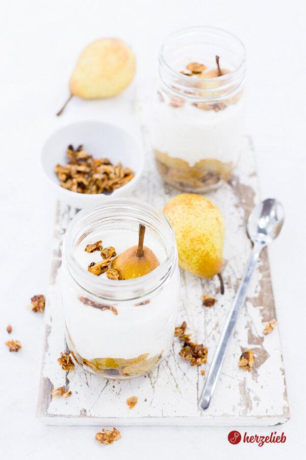 Birnen Dessert Rezept mit Kardamom im Glas