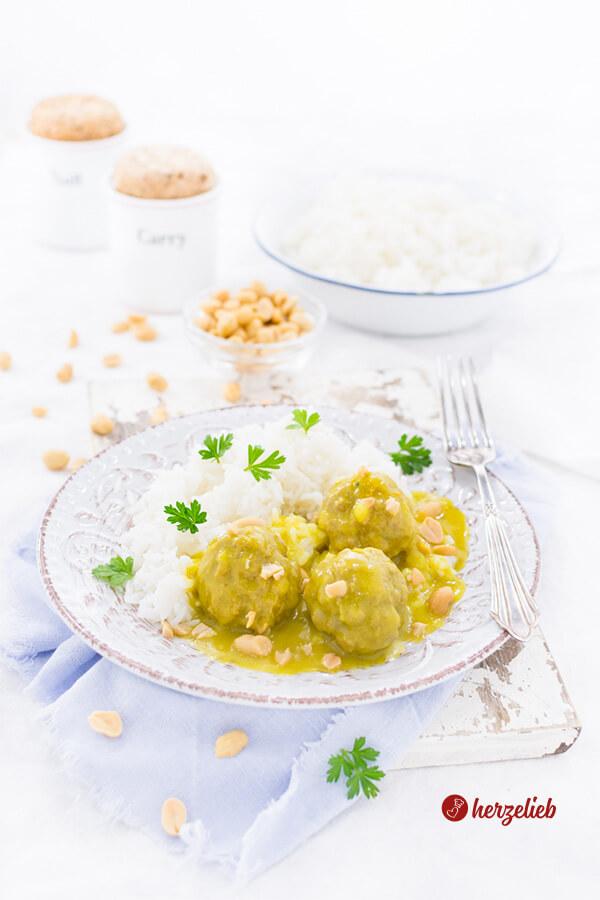 Boller i karry – Fleischbällchen in Currysoße, dänische Hausmannskost
