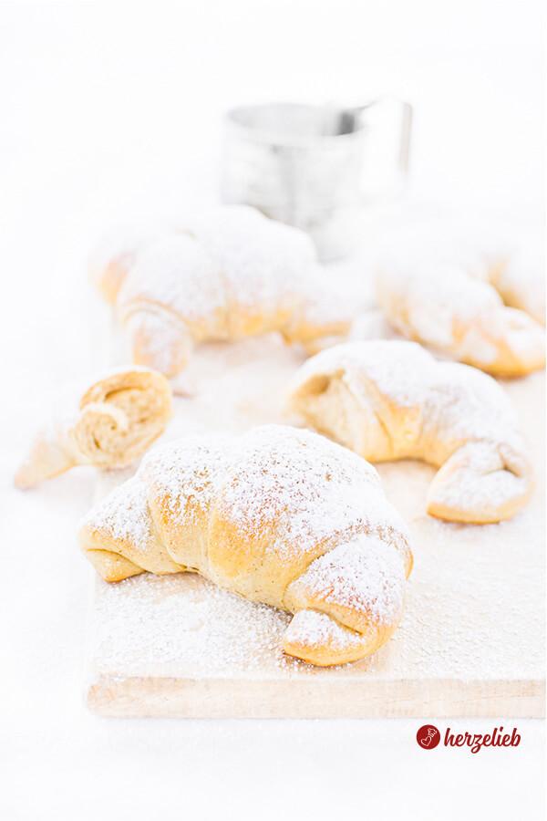 Zimthörnchen Rezept – weiche, leckere Brioche Brötchen, wer braucht schon Brot?