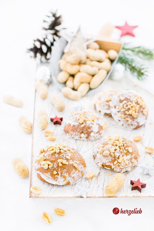 Selbstgebackener Erdnusslebkuchen von herzelieb