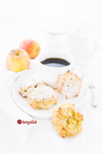 Apfelbatzen Rezept von herzelieb - kleine Apfelkuchen