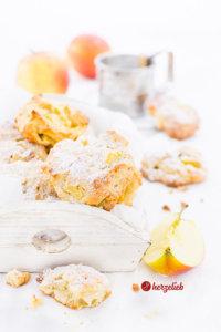 Apfelbatzen - kleine Apfelkuchen für die Hand