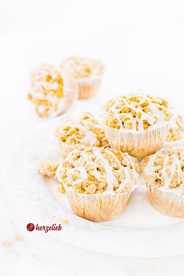 Apfelmuffins Rezept – Apfelkuchen mit Zimt und Streuseln ganz handlich!