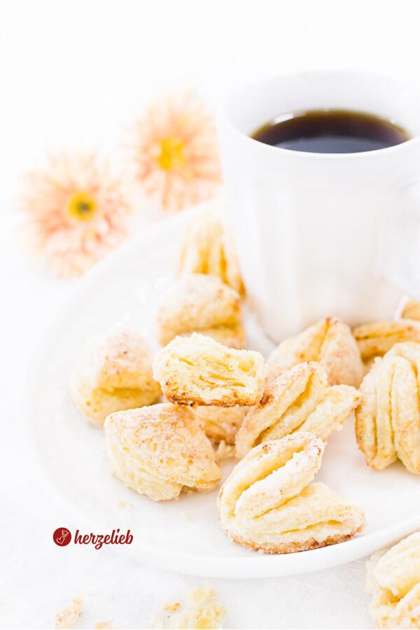 Blätterteigkekse mit Hüttenkäse- Superknusprige Cookies oder Plätzchen
