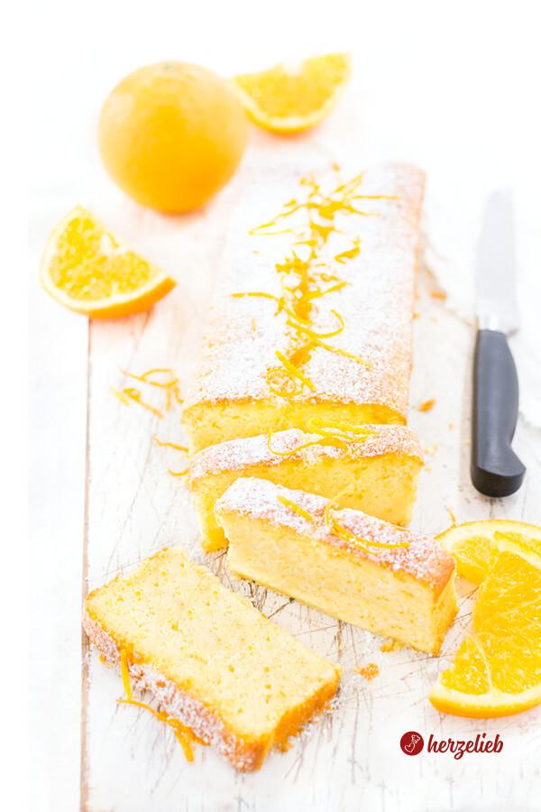 Buttermilchkuchen mit Orange aufgeschnitten