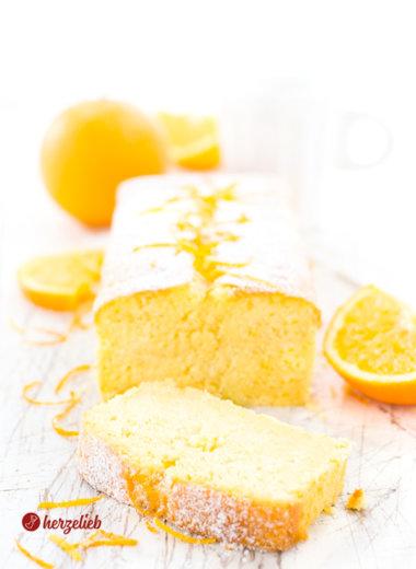 Buttermilchkuchen mit Orangen Sirup