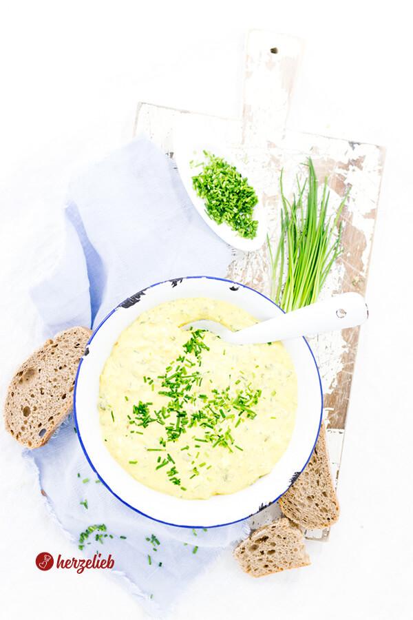 Dänischer Karrysalat selbstgemacht mit Brot