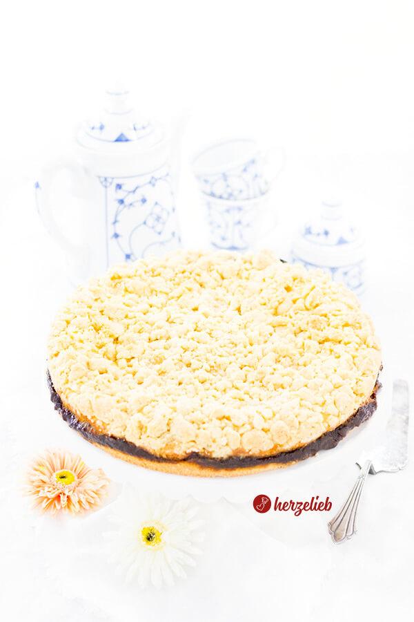 Friesischer Käsekuchen von herzelieb mit Vanillepudding,Pflaumenmus und Butterstreusel