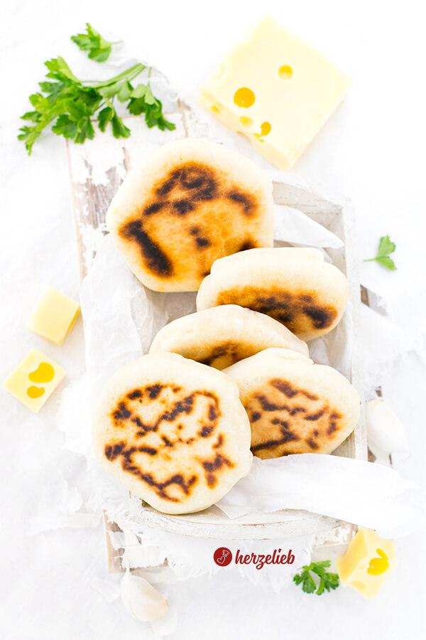 Mit Käse gefüllte Pfannenbrote von herzelieb
