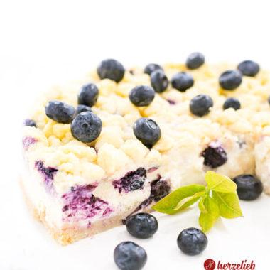 Blaubeer-Käsekuchen mit Butterstreuseln von herzelieb