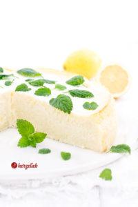 Grießbreikuchen mit Zitrone und Zitronenmelisse a