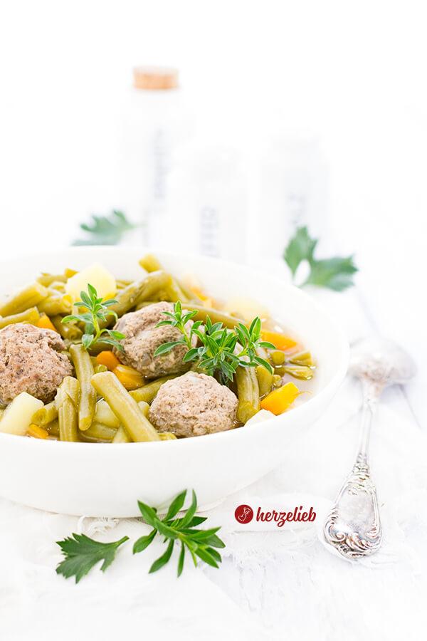 Grüne Bohnensuppe oder Bohneneintopf
