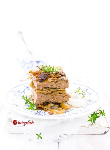 Nordische Lasagne von herzelieb. Hackfleisch und Kohl in einer Auflaufform geschichtet und im Ofen gegart. Tolles Kohl-Lasagne Rezept - Hausmannkost