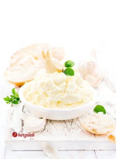 Knoblauchcreme Rezept zum Grillen, Fondue, Racelette oder Brot von herzelieb