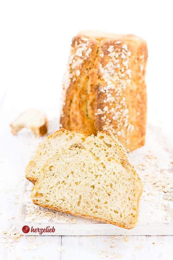 Kartoffelbrot mit haferflocken 2 Scheiben und der Rest des Brotes