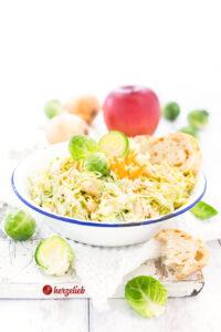 Cremiger Krautsalat - selbstgemachter Rosenkohl Coleslaw