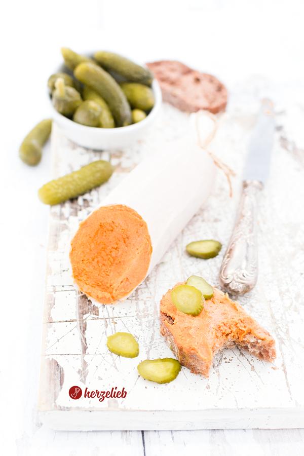 Vegetarische Teewurst-Aufstrich Variante von herzelieb