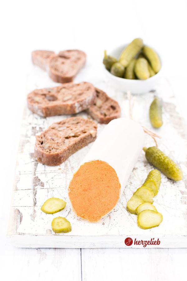 Teewurst-Aufstrich Rezept – ohne Fleisch, aber sensationell lecker!