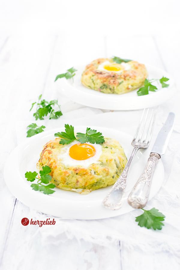 Kartoffelnester gefüllt mit Ei von herzelieb
