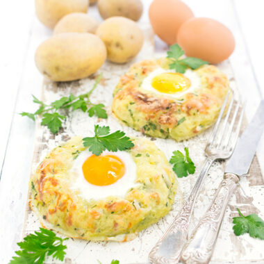 Kartoffelnester Rezept mit Ei, Käse, Speck und Kräutern