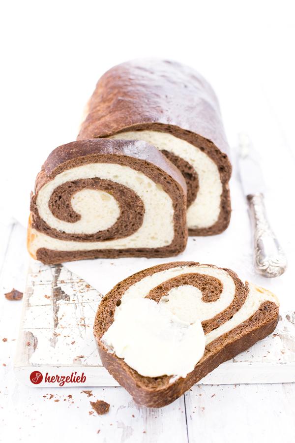 Kakao Swirl Brot Rezept - ein außergewöhnliches Weizenbrot