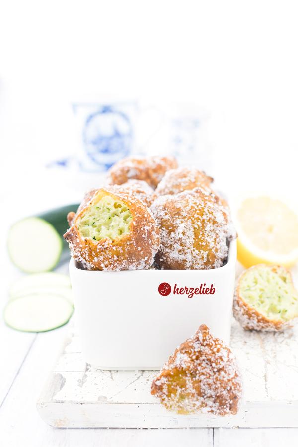 Rezept süße Zucchini Berliner von herzelieb