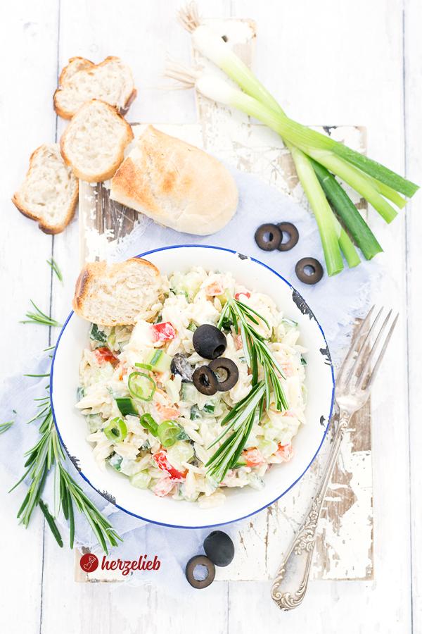 Griechischer Nudelsalat Rezpet von herzelieb
