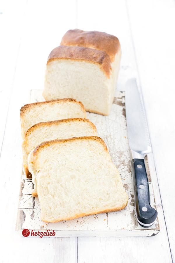 Selbstgebackenes Sandwichbrot Rezept von herzelieb