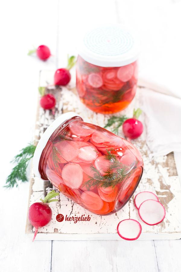 Süßsauer eingelegte Radieschen Rezept von herzelieb