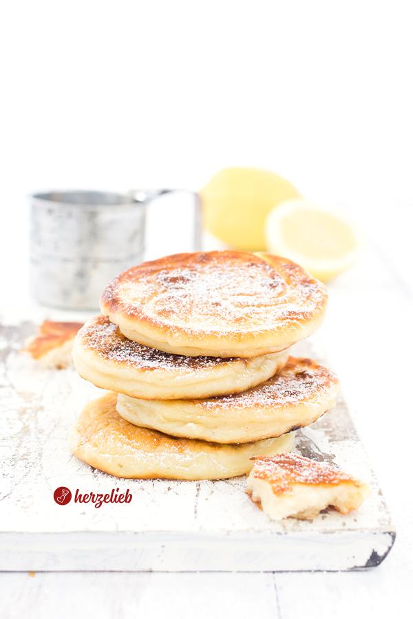 Quarkfrikadellen, Quarkpfannkuchen oder Quarklaibchen Rezept von herzelieb